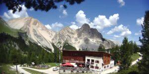 Cabane de montagne Fanes – Val Badia Dolomites