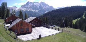 Bamby Hut (1.845) – Badia livecam Dolomites