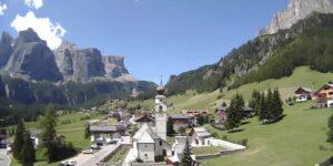 Colfosco (1.645m) – view to Passo Gardena Dolomitas
