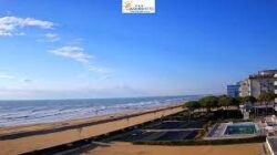 LIVE Jesolo beach webcam from Hotel Janeiro